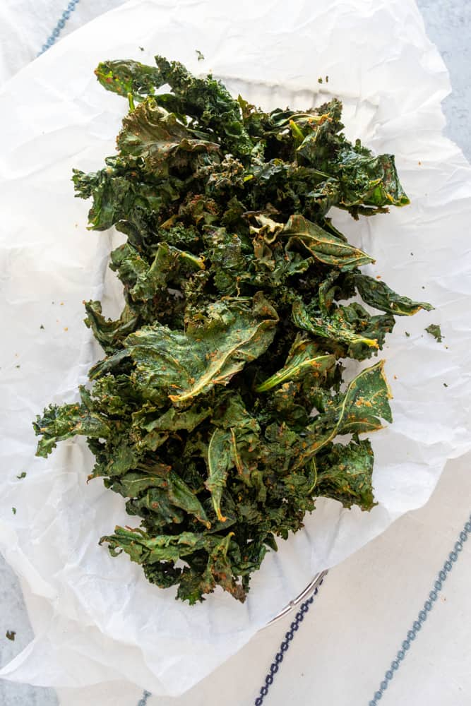 air fryer kale chips in a basket