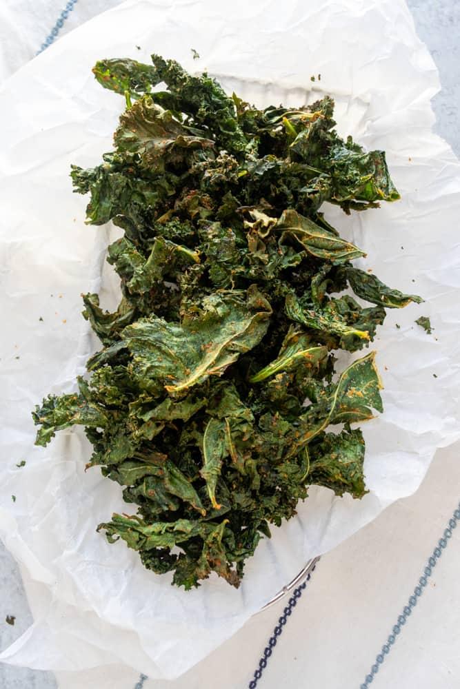 air fryer kale chips in a basket